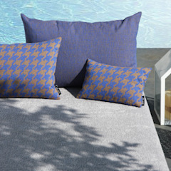 PIED DE POULE cushions by @poemodesign POEMO DESIGN Balcone, Veranda & TerrazzoAccessori & Decorazioni Cotone Blu