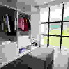 ZAAV-Casa-Interiores-1233 Closets por ZAAV Arquitetura Minimalista