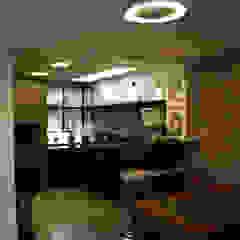 Дома в стиле модерн от Moradaverde Arquitetura Ltda. Модерн