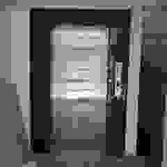 Ege Mermer Granit Modern corridor, hallway & stairs