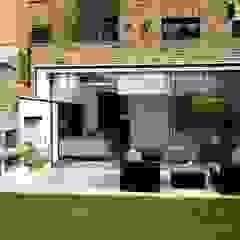 Gretel House من Simon Gill Architects ريفي