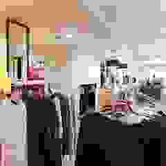 Galerías y espacios comerciales de estilo moderno de NaNovo Moderno