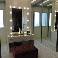 Classic style dressing rooms by PL ARQUITETURA Classic