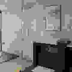 aaestudio Modern bathroom Marble White