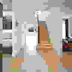 Woodville Gardens Modern corridor, hallway & stairs by Concept Eight Architects Modern