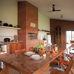 by IDALIA DAUDT Arquitetura e Design de Interiores Rustic