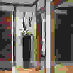 راهرو سبک روستایی، راهرو و پله ها توسط Go Interiors GmbH راستیک (روستایی)