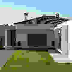 CS Coelho da Silva SA Modern houses
