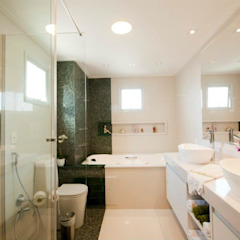 ProArq Brasil Modern bathroom Marble Green