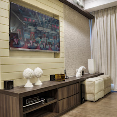 Гостиная в стиле модерн от M2A - Arquitetura e Eventos Ltda Модерн
