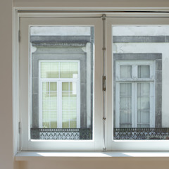 Apartment Porto downtown Modern windows & doors by 560 architects Modern