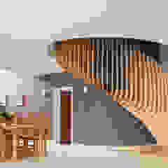Princes Way Modern corridor, hallway & stairs by Frost Architects Ltd Modern