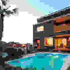 プールのある夢の家 オリジナルスタイルの プール の PROSPERDESIGN ARCHITECT OFFICE/プロスパーデザイン オリジナル 石