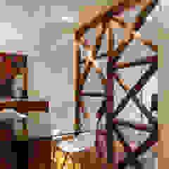 Minimalist dining room by Vanessa Santos Silva | Arquiteta Minimalist