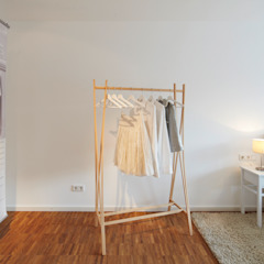 Home Staging Bavaria Dressing roomWardrobes & drawers Wood Beige