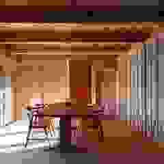 shu建築設計事務所 Comedores de estilo clásico