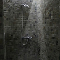 Modern bathroom by JCandel Modern Stone