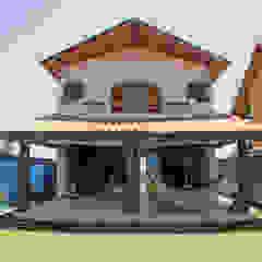 Casa Simples e Confortável Varandas, alpendres e terraços rústicos por RAC ARQUITETURA Rústico Madeira maciça Multi colorido