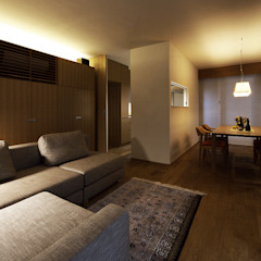 Salon moderne par 株式会社廣田悟建築設計事務所 Moderne Bois Effet bois