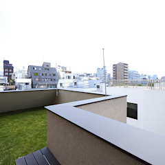 Balcon, Veranda & Terrasse modernes par 株式会社廣田悟建築設計事務所 Moderne