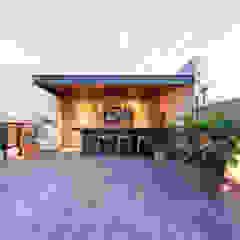 Hiên, sân thượng phong cách hiện đại bởi Loyola Arquitectos Hiện đại