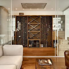 Modern wine cellar by Márcia Carvalhaes Arquitetura LTDA. Modern