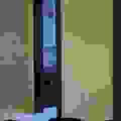 Decor At Door Ruang Keluarga Modern
