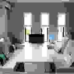 Mediterranean style living room by 株式会社ウイッシュ Mediterranean