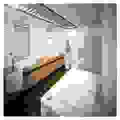Mendonça Santos Arquitetos & Associados Modern bathroom