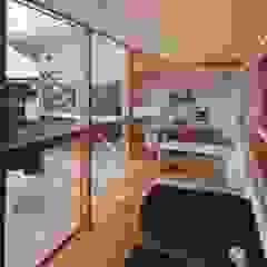 新千里南町 モダンデザインの テラス の 伊東建築計画室 モダン