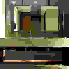 Baños hombres Narda Davila arquitectura Gastronomía de estilo moderno Vidrio Transparente