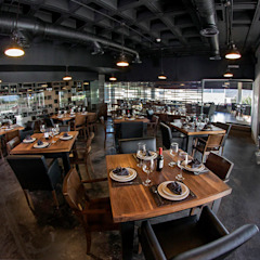 Restaurante Asador 35 Narda Davila arquitectura Gastronomía de estilo moderno Madera Negro
