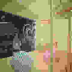 Minimalist corridor, hallway & stairs by Студия дизайна Виктории Силаевой Minimalist