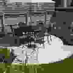 Canopy Lane Jardines de estilo minimalista de Aralia Minimalista Hierro/Acero