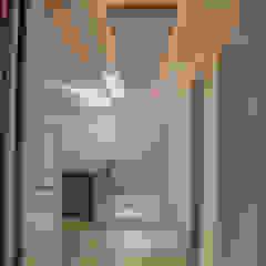 Modern Corridor, Hallway and Staircase by RTZ-Arquitectos Modern