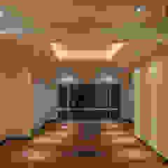 Modern Walls and Floors by RTZ-Arquitectos Modern
