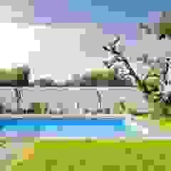 Piscina y jardín Sánchez-Matamoros | Arquitecto Piscinas de estilo moderno Piedra Blanco