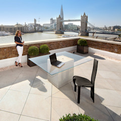 Roof terrace with French Limestone Vanilla porcelain paving PrimaPorcelain Mediterranean style balcony, porch & terrace Porcelain