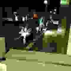 Unifamiliar Nils eans Balcones y terrazas de estilo clásico