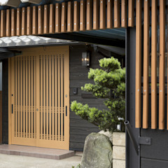 Couloir, entrée, escaliers asiatiques par 株式会社 鳴尾工務店 Asiatique