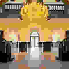 Klassieke gangen, hallen & trappenhuizen van homify Klassiek