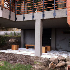 Varandas, alpendres e terraços minimalistas por Vertice Oficina de Arquitectura Minimalista Pedra