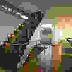 Beach front modern residential holiday home designSTUDIO - Lopes da Silva Modern living room