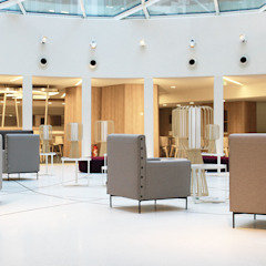 Castan Edificios de oficinas de estilo moderno