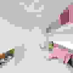 Skandinavische Kinderzimmer von fpr Studio Skandinavisch