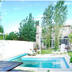 Modern style gardens by Silvana Valerio Modern
