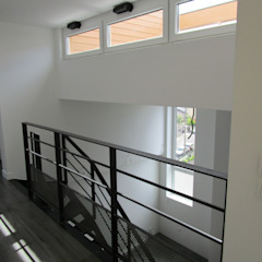 Paula Bianco Minimalist corridor, hallway & stairs