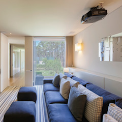 AM 2014 - Fão Salas multimédia modernas por INAIN Interior Design Moderno