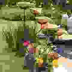 Country style garden by Junia Lobo Paisagismo Country