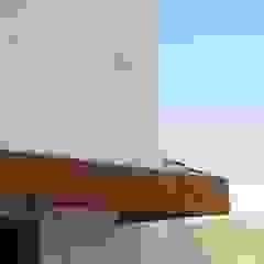 JOÃO SANTIAGO - SERVIÇOS DE ARQUITECTURA Pool Wood Pink